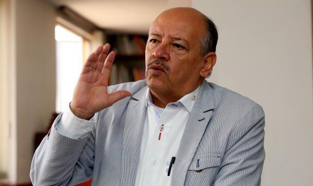 Denuncian atentado contra expresidente de Fecode
