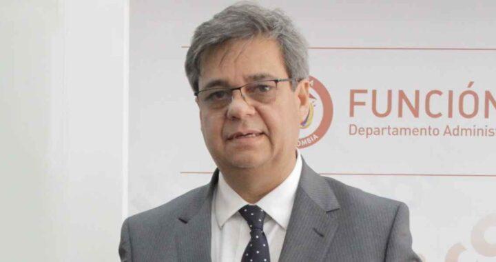 GOBERNADOR ORLANDO BENÍTEZ FIRMÓ CONVENIO CON FUNCIÓN PÚBLICA.